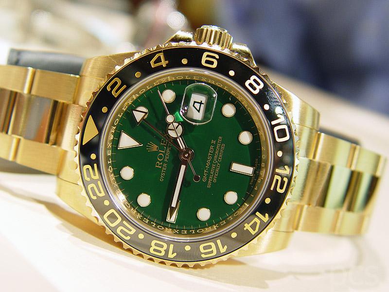 Aimez vous l'or ? Rolex_GMT-Master_116718_by_PCS_03
