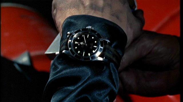 La montre qui va pour toutes les occasions... - Page 3 Bond_goldf1